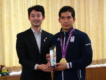 121011tanaka-medalist.jpg